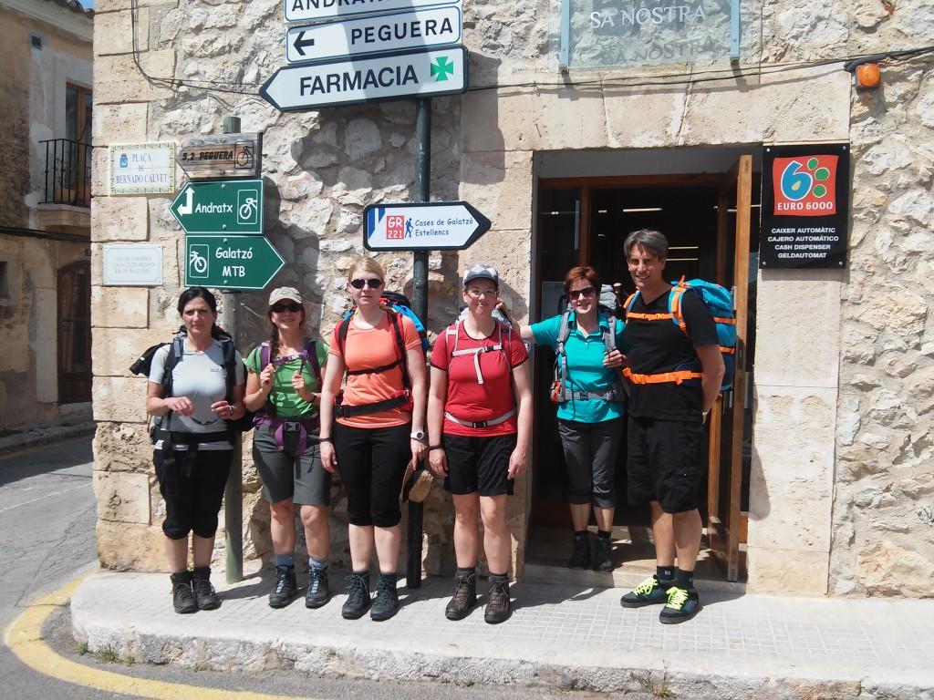 Gruppenfoto ohne Wanderführer am Start