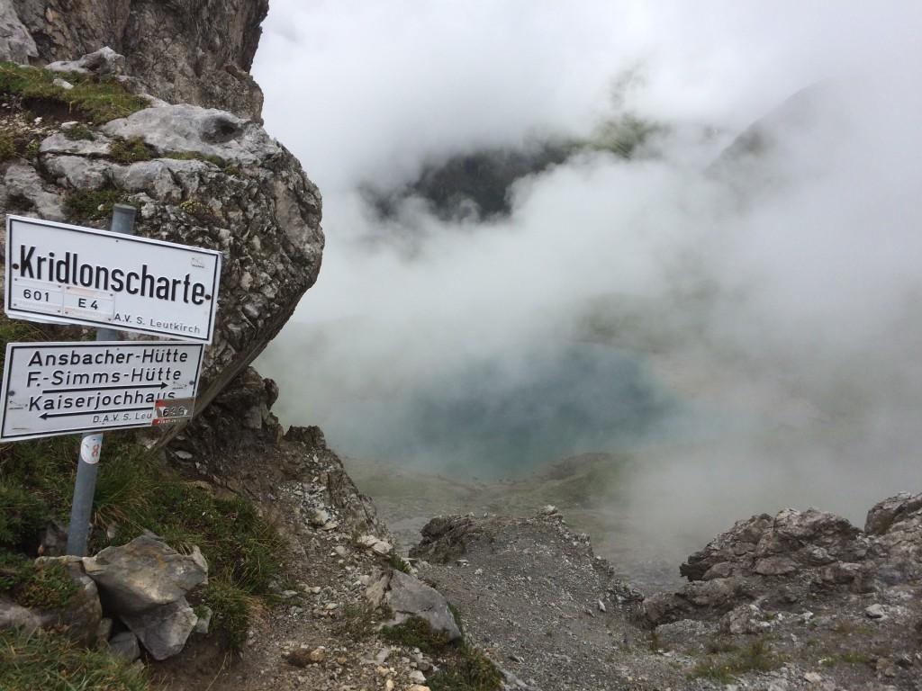 Kridlonscharte mit Hintersee im Nebel