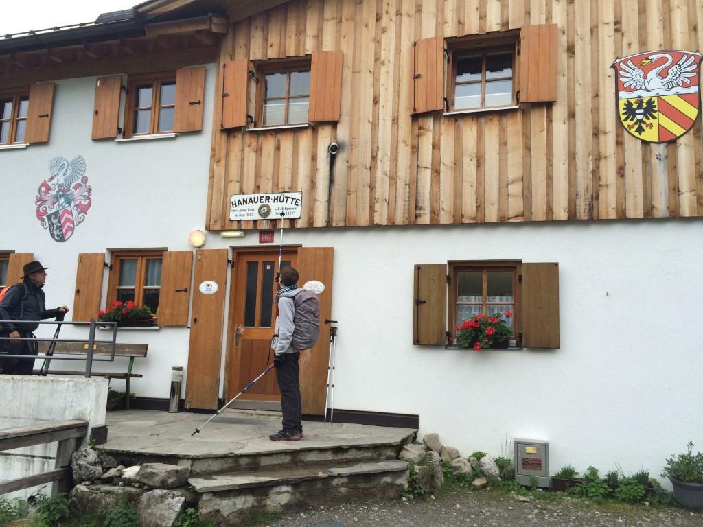 Die geräumige Hanauerhütte