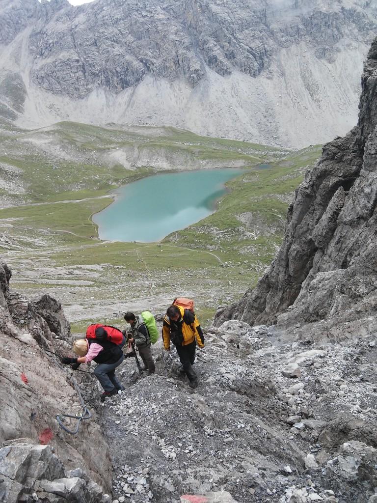 Vordere Dremelscharte mit Steinsee im Hintergrund