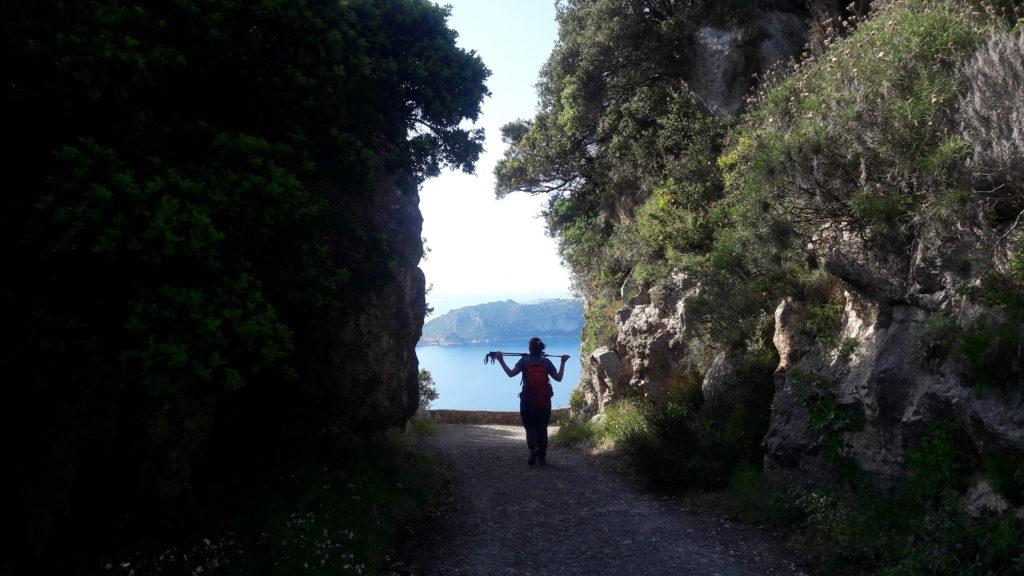 Das Felsentor vor Agios Georgios
