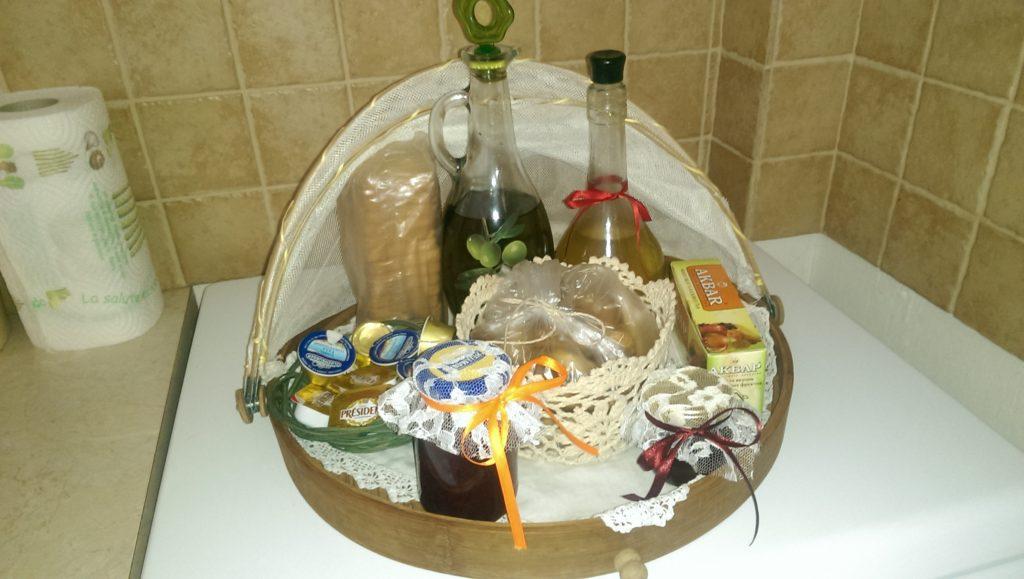 Geschenkskorb im Agallis Residence Suite