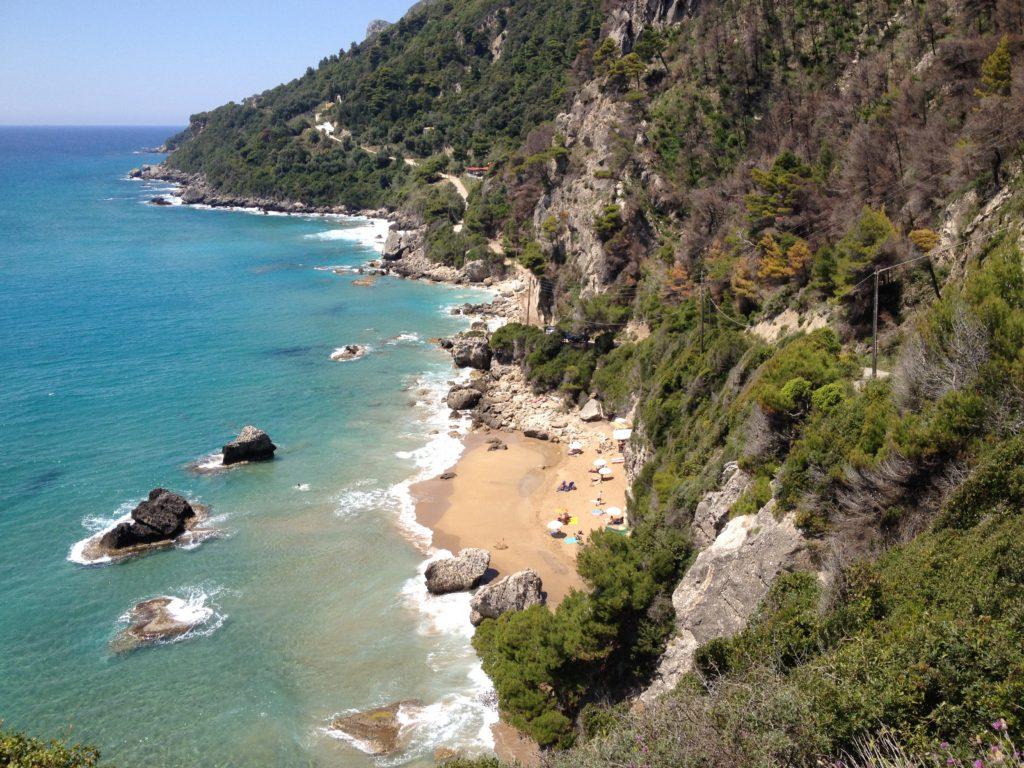 Der Strand bei Mirtiotissas