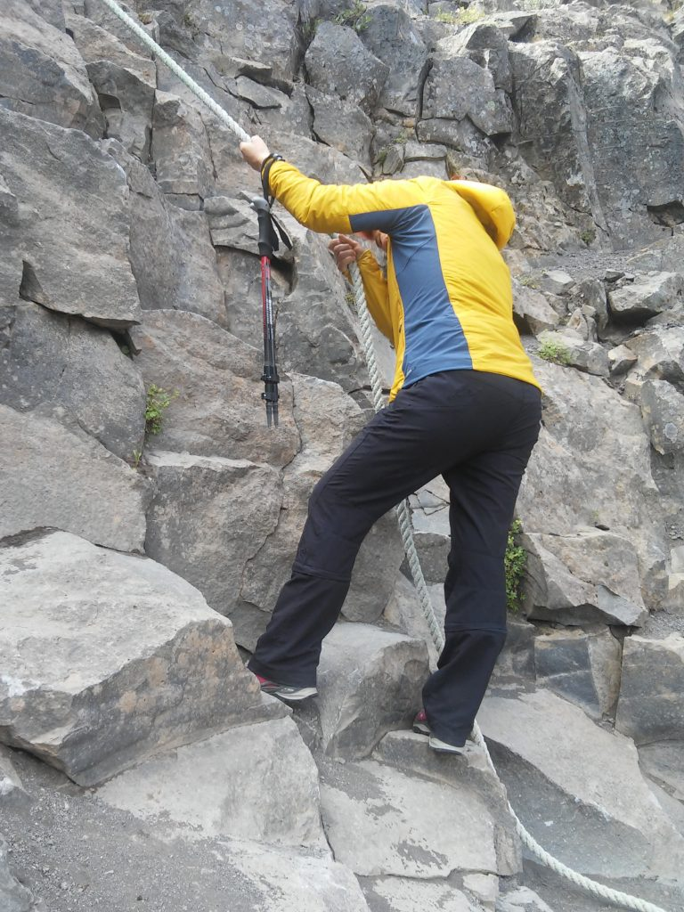 Waltraud beim Klettern