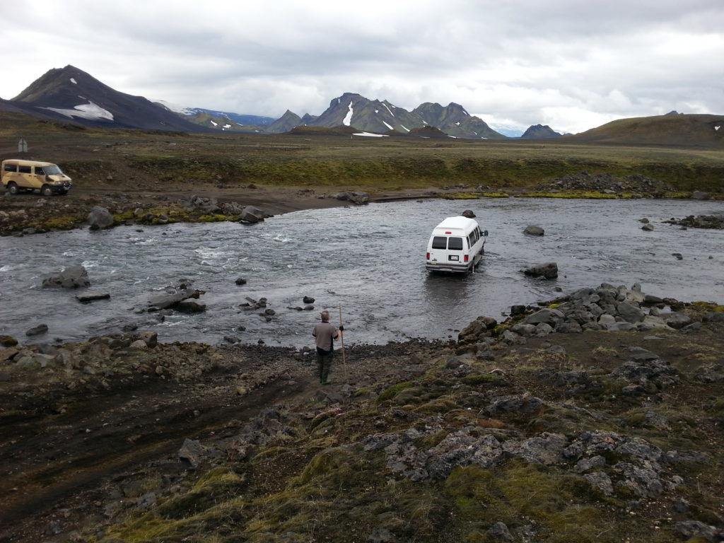 Ein Jeep in der Kaldaklofskvisl